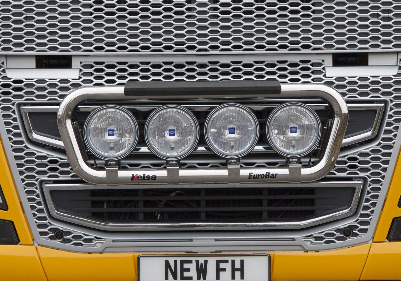 Přední nerezový rám Kelsa EuroBar High Mount pro  Volvo FH 2013-2020 Denní kabina