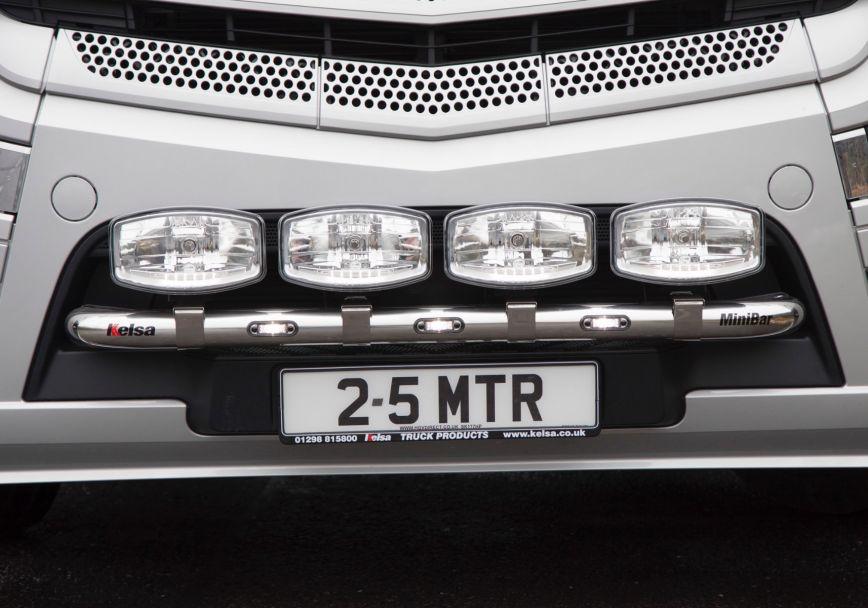 Přední nerezový rám Kelsa MiniBar pro  Mercedes Actros 2012-on Streamspace 2.5m