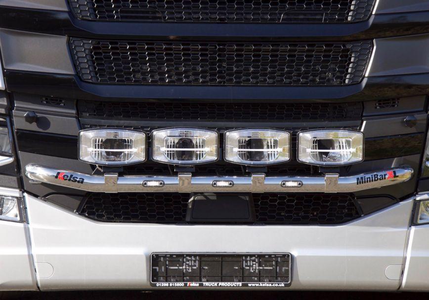 Přední nerezový rám Kelsa MiniBarXL pro  Scania Next Generation R&S Střední kabina