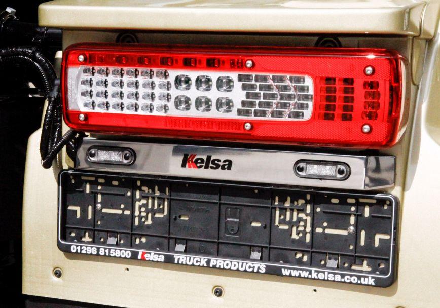 Zadní nerezové rámy Kelsa WingBars pro  Volvo FH 2013-2020 Denní kabina