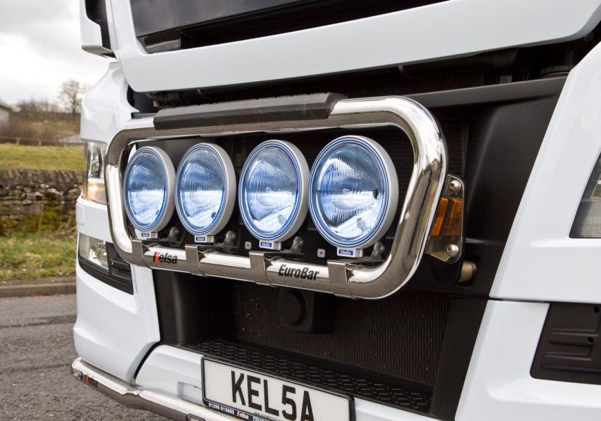 Přední nerezový rám Kelsa EuroBar pro  Man TGX Euro6 XL