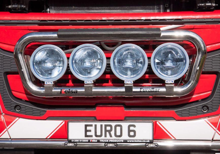 Přední nerezový rám Kelsa EuroBar pro  Volvo FM Euro6 Globetrotter