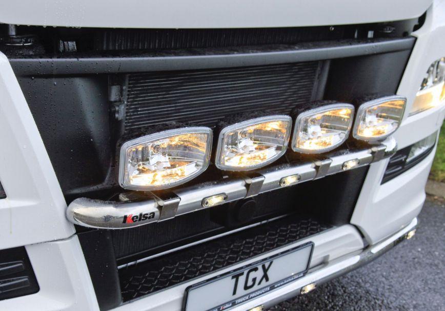 Přední nerezový rám Kelsa MiniBar pro  Man TGX Euro6 XL