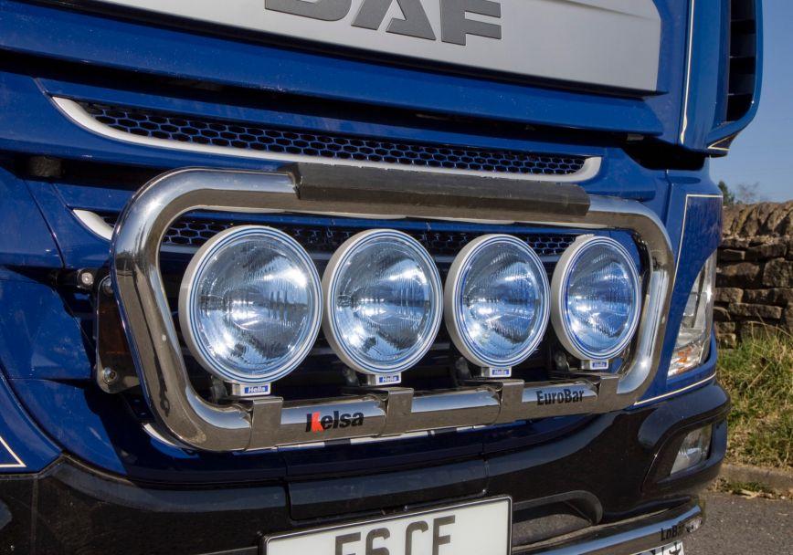 Přední nerezový rám Kelsa EuroBar pro  DAF CF Euro6 Denní kabina