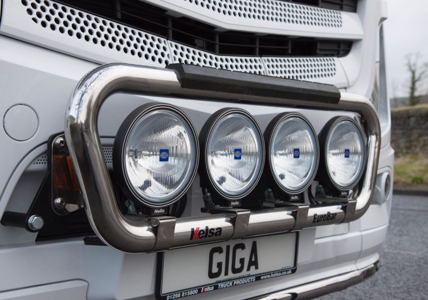 Přední nerezový rám Kelsa EuroBar pro  Mercedes Actros 2012-on Streamspace 2.5m
