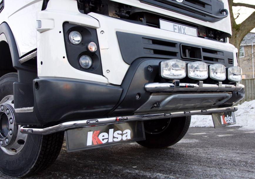 Nerezový rám po nárazník Kelsa LoBar Curved Style pro  Volvo Euro 6 FMX Globetrotter