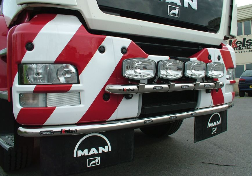 Přední nerezový rám Kelsa MiniBar pro  Man TGS M, L, LX Kabina