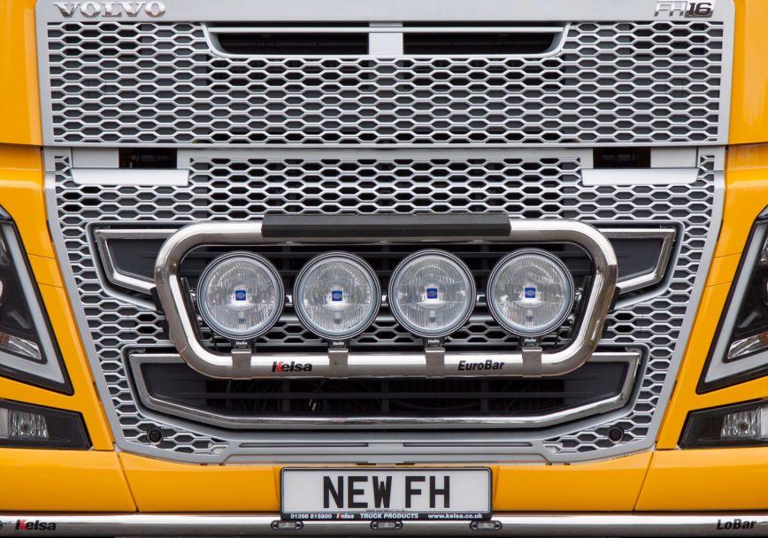 Přední nerezový rám Kelsa EuroBar Low Mount pro  Volvo FH 2013-2020 Denní kabina