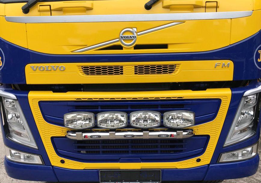 Přední nerezový rám Kelsa MiniBar pro  Volvo FM Euro6 Globetrotter