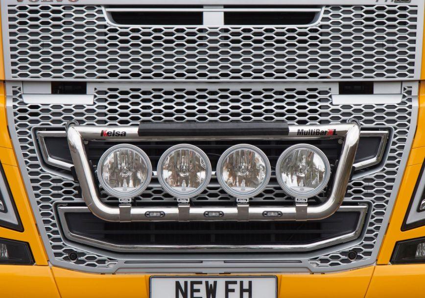 Přední nerezový rám Kelsa MultiBarXL Low Mount pro  Volvo FH 2013-2020 Denní kabina